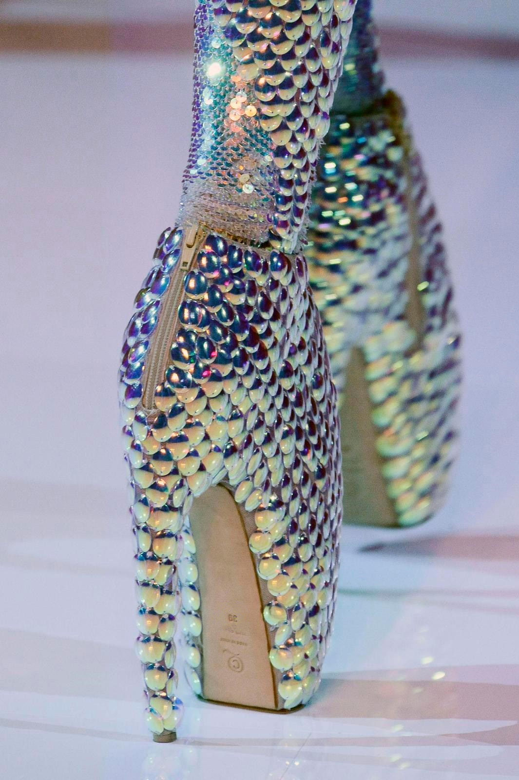 alexander-mcqueen-alien-claw-armadillo-lobster-shoe ...