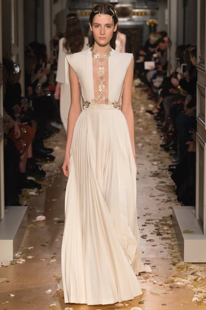 valentino-spring-2016-haute-couture-runway54