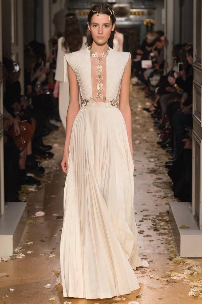 valentino-spring-2016-haute-couture-runway54